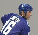 Photo of the Trevor Linden Sports Picks figure to be sold exclusively through the Vancouver Canucks' website, from McFarlane